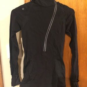 Lululemon running LS top size 2 black